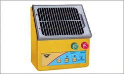 2.5km Self Contained Solar Energiser S25B